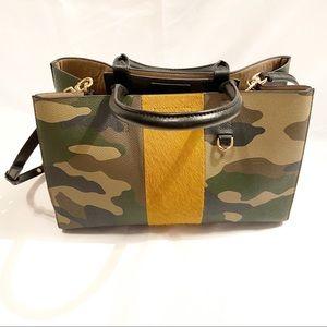 BANANA REPUBLIC Camo Mini Larkin Bag
